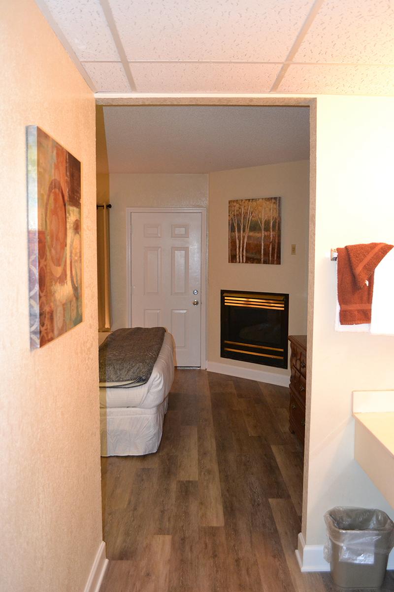 1 Bedroom Condo : River Place Condos